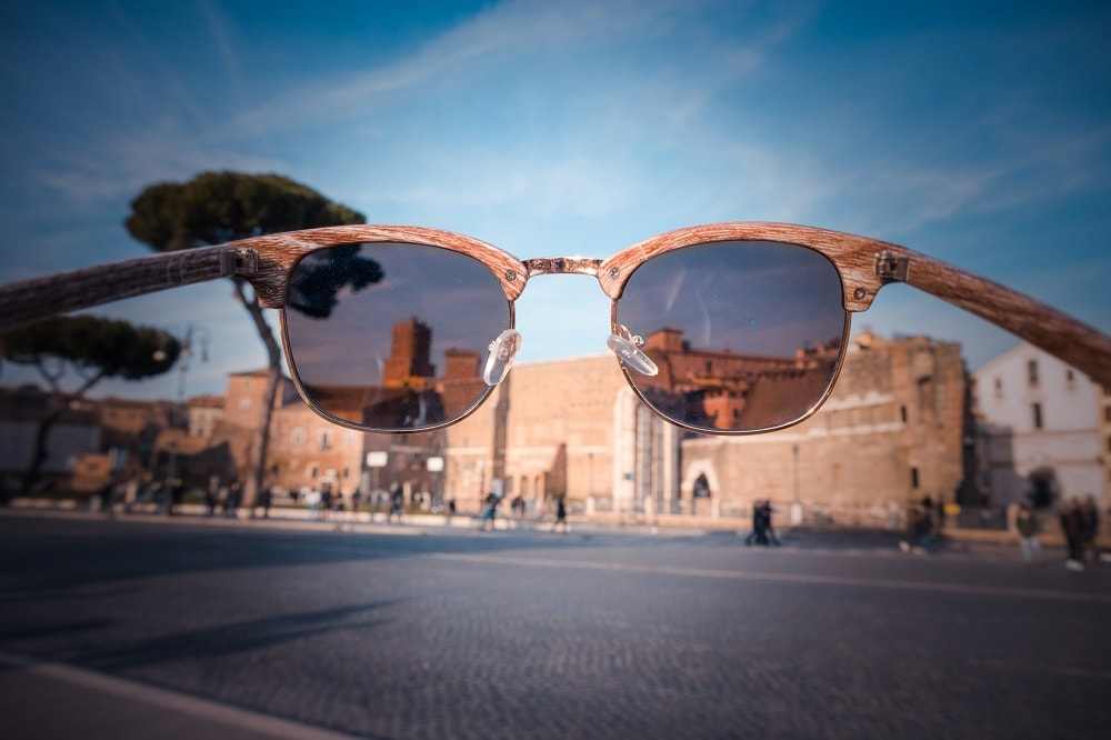 Ensure the right amount of light and use sunglasses to take photos with great exposure